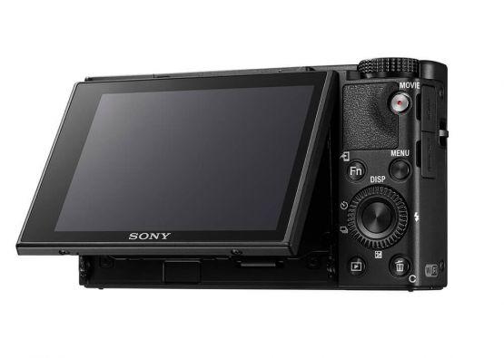 1000217459cv11d 555x395 - Sony RX100M6