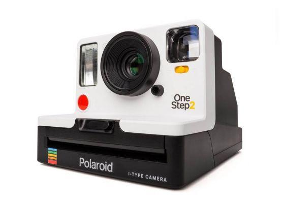 1000221441cv12d 555x416 - Polaroid OneStep 2