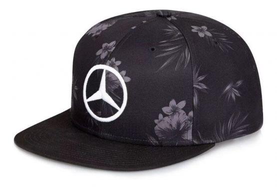 Lewis 555x374 - Gorra Lewis Hamilton Negra F1 Mercedes Japón