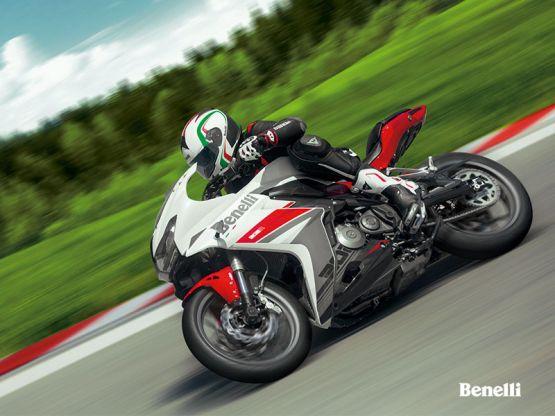 302R adsweb 30 555x416 - Motocicleta Deportiva Benelli 302R Modelo 2019