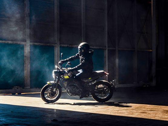 Leoncin0250 galeria 3 555x416 - Motocicleta Benelli Leoncino 250cc Modelo 2020