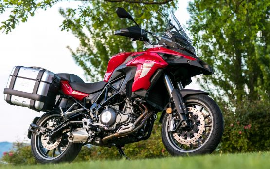 TRK502 GALLERY4 scaled 555x347 - Motocicleta Benelli TRK 502 500cc Modelo 2020