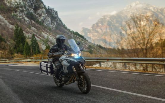 TRK 502 GALLERY1 555x347 - Motocicleta Benelli TRK 502 500cc Modelo 2020