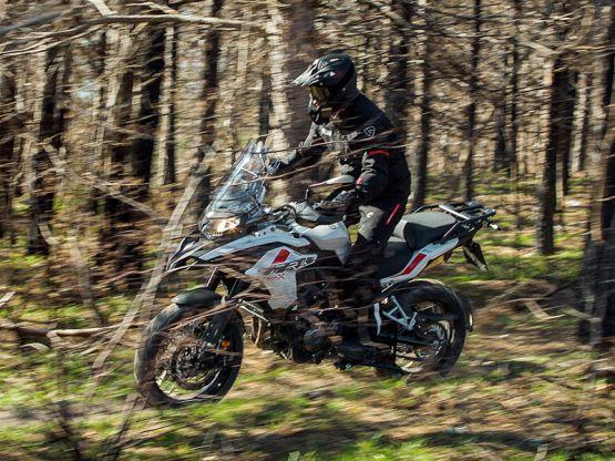trk502x 23 555x416 - Motocicleta Benelli TRK 502 X 500cc Modelo 2020