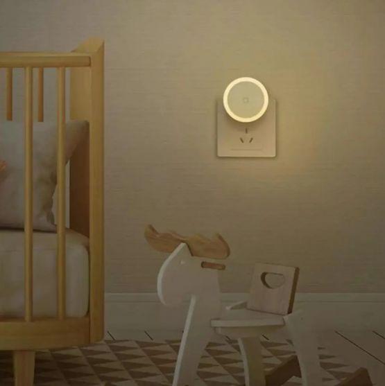 Xiaomi Mijia Luz Lampara LED Sensor de Noche para el hogar 4 555x557 - Xiaomi Mijia Luz LED Tactil con Sensor de Noche para el Hogar